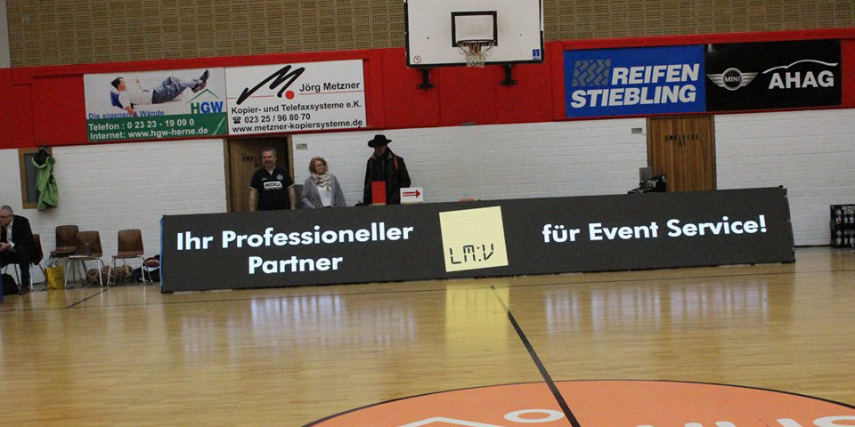 Bandenwerbung der 1. Damen Basketball Bundesliga